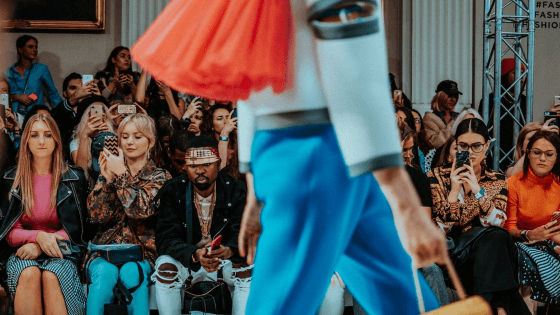 Mixed Reality Debuts At London Fashion Week - Retail Assist
